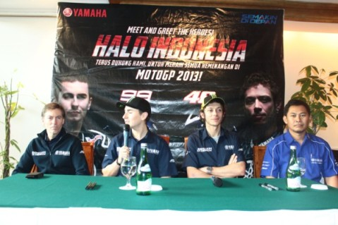 Meet and Greet (3) ki-ka Lin Jarvis, Lorenzo, Rossi, Eko Prabowo GM Marketing Communication Yamaha Indonesia
