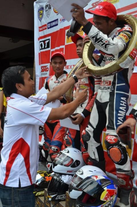 Sulung Giwa di podium pertama MP1