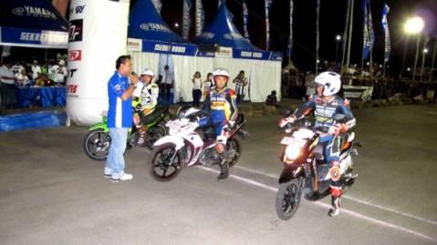 Praktek safety riding oleh pembalap Yamaha