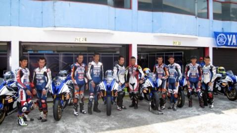 10 pembalap Yamaha Riding Academy 2013 saat di Sentul International Circuit