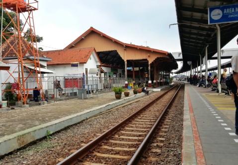 Destinasi ke Stasiun Prujakan Cirebon