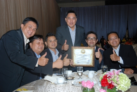 Tim Divisi After Sales PT Yamaha Indonesia Motor Manufacturing di seremoni penghargaan Service Quality Award 2015