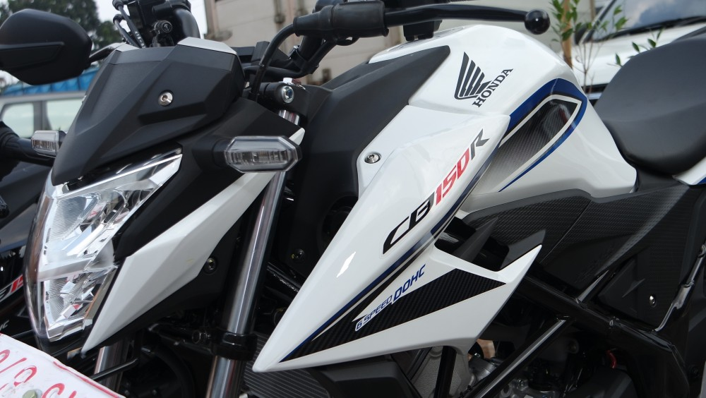 564 In Test Ride All New Honda CB150R