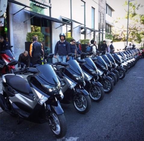 Yamaha NMAX tampak di sebuah area di Lisbon Portugal
