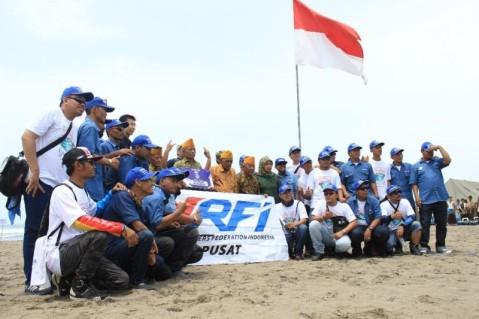 Donasi Yamaha Riders Federation Indonesia (YRFI) untuk veteran Indonesia (2)