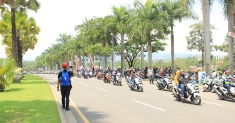 City rolling NMAX di Jambore Nasional pertama Indonesia Max Owners (IMO) dan Ultah pertama Bandung Nmax Community (BNC)