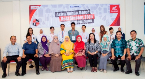 AHMBS Regional ITC : Peserta tahap seleksi regional di area Sumatera Utara. Sebanyak 573 peserta dari 301 sekolah yang mengikuti seleksi AHMBS di tingkat daerah tahun ini, terpilih 70 siswa-siswi terbaik yang akan mengikuti Final AHMBS 2016 tingkat nasional di Jakarta pada 4-8 Agustus 2016.