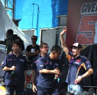 Give Me Five MM 93