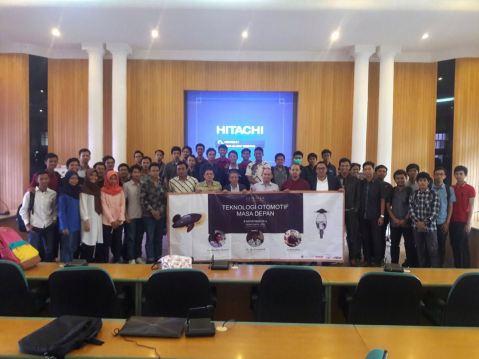 foto-bersama-dengan-peserta-seminar