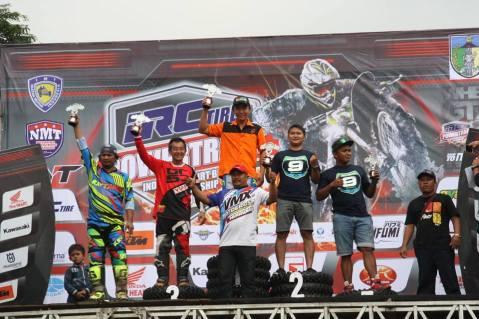 piter-tanujaya-vrt-podium